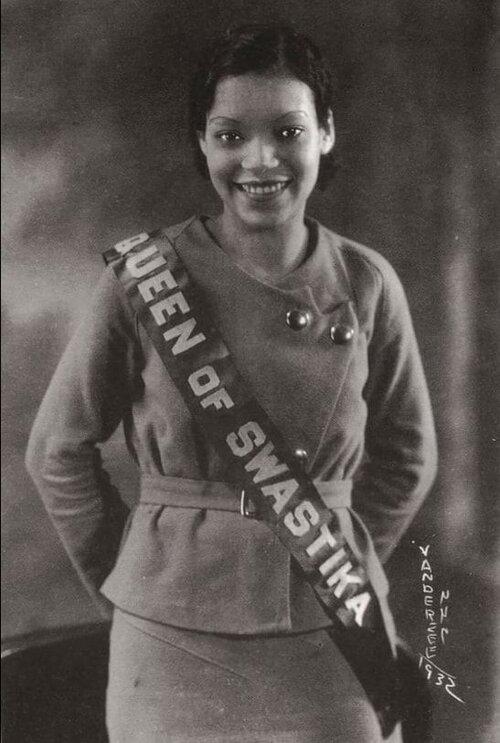 La «Reina de la Esvástica» (1932). Fotografía: Donna VanDeerZee