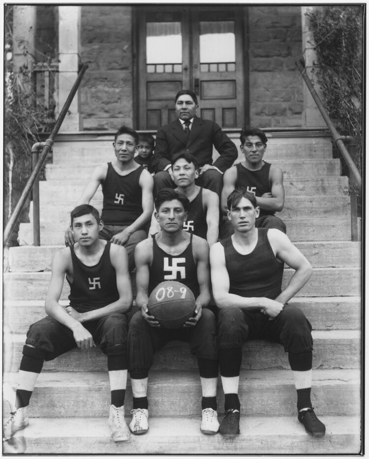 El equipo indio de baloncesto Chilocco Indian Agricultural School (1909)