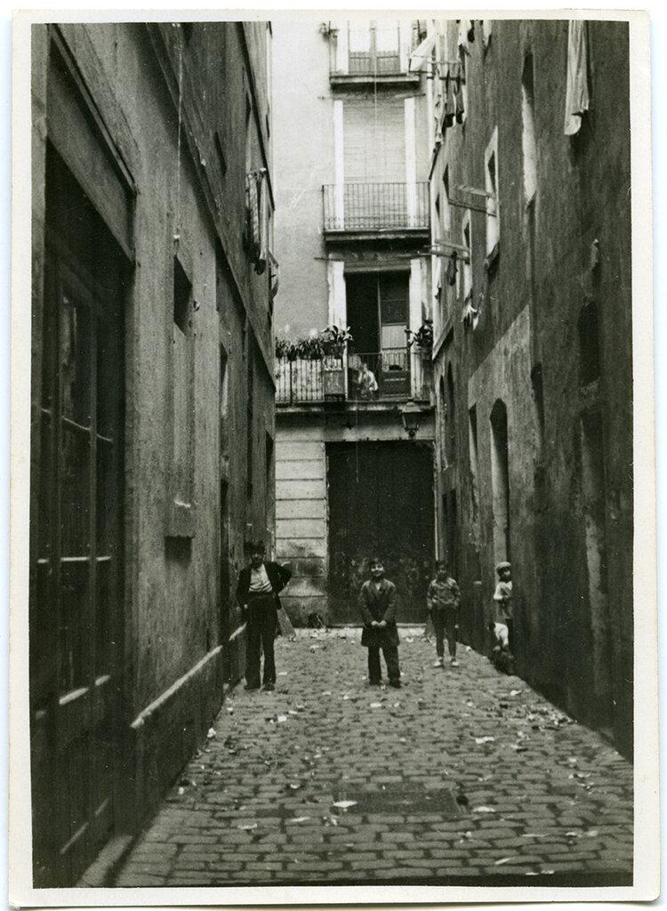 El Raval (1932). Fotografía: Margaret Michaelis / Arxiu Municipal de Barcelona