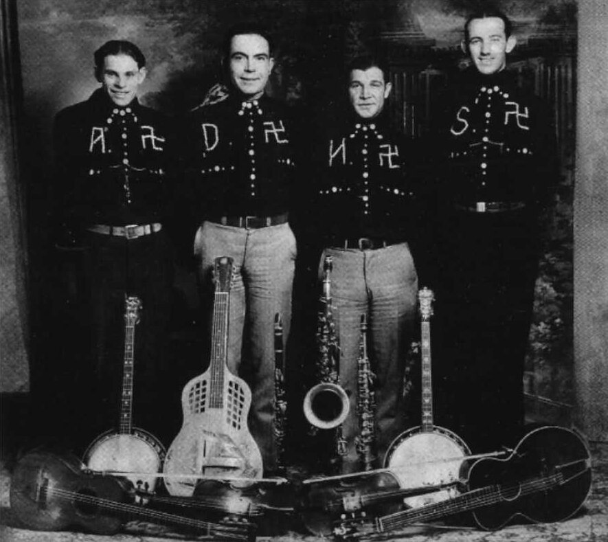 The Oklahoma Boys, una banda de country que usaba la esvástica en sus trajes