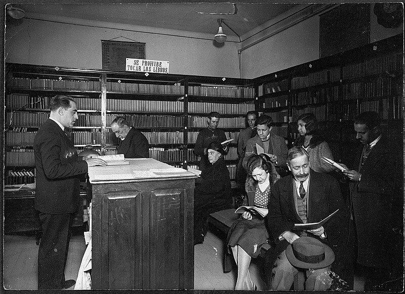Biblioteca Literaria Circulante (madrid, 1930). Fotografía: Memoria de madrid