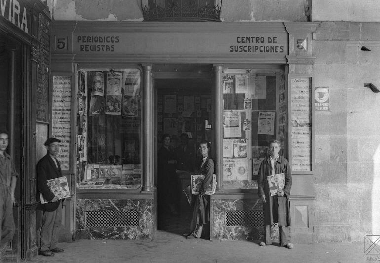 El quiosco El Globo (vitoria, 1933). fotografía: Ceferino Yanguas, Archivo Municipal de Vitoria