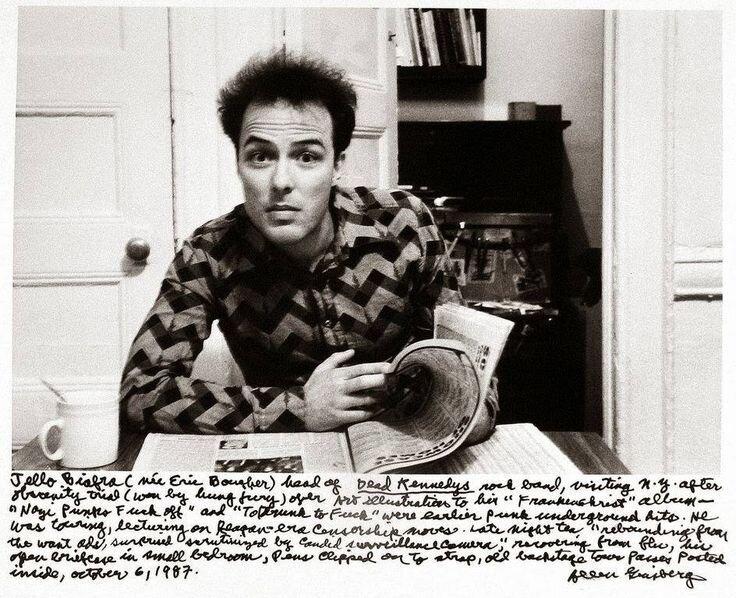 Jello Biafra fotografiado por Ginsberg en 1987