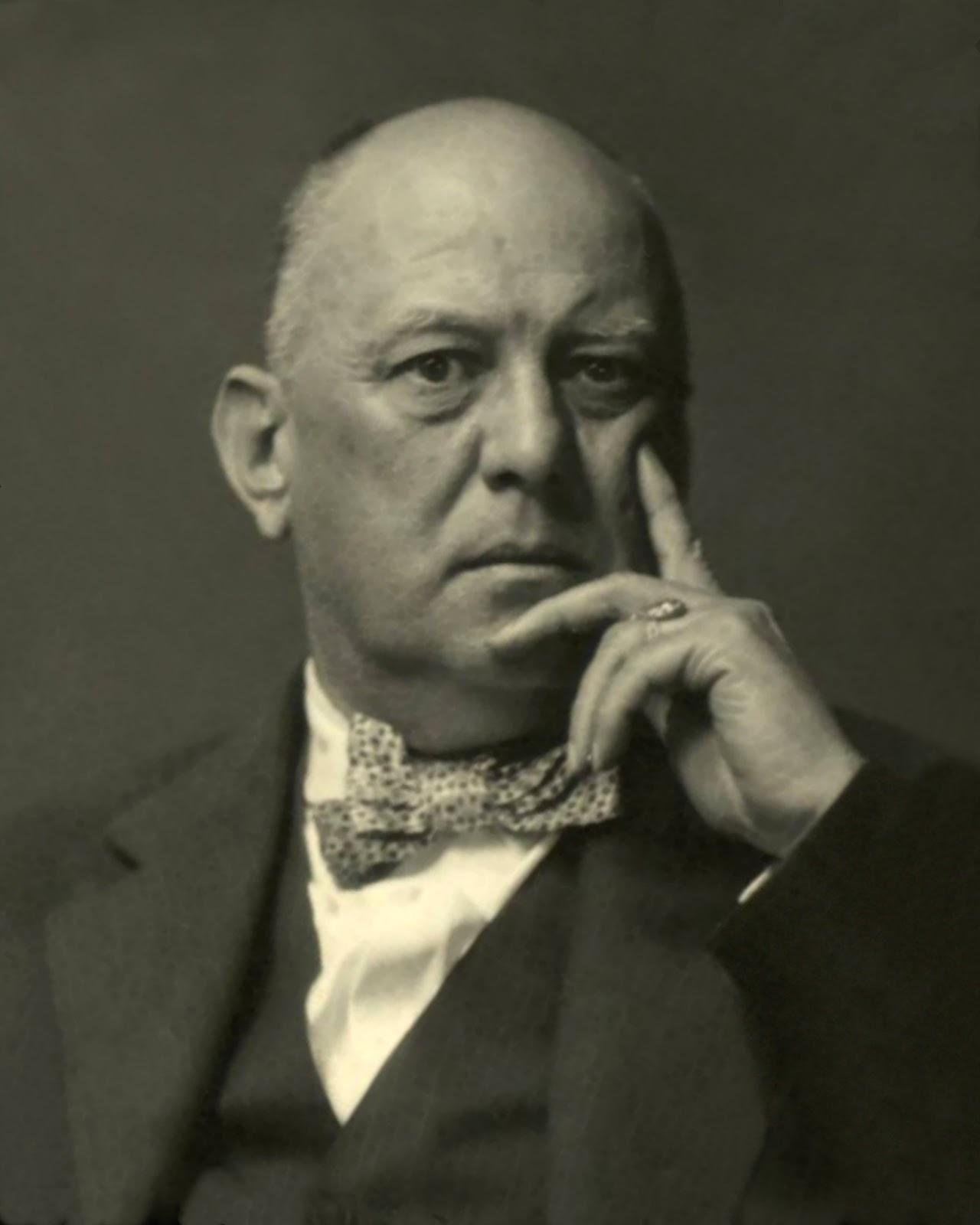 Retrato de Aleister Crowley