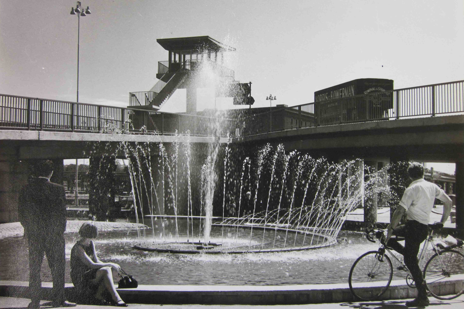 CUMBERLAND PIAZZA FOUNTAIN. SYLVIA CROWE COLLECTION. © MUSEUM OF ENGLISH RURAL LIFE / LANDSCAPE INSTITUTE