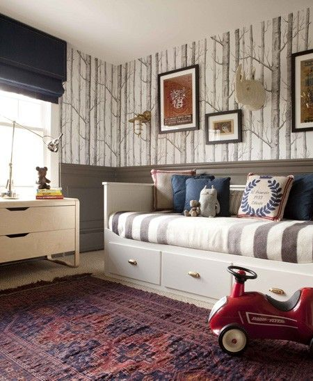 The Woods wallpaper making a kid's room cool/Photo: Pinterest