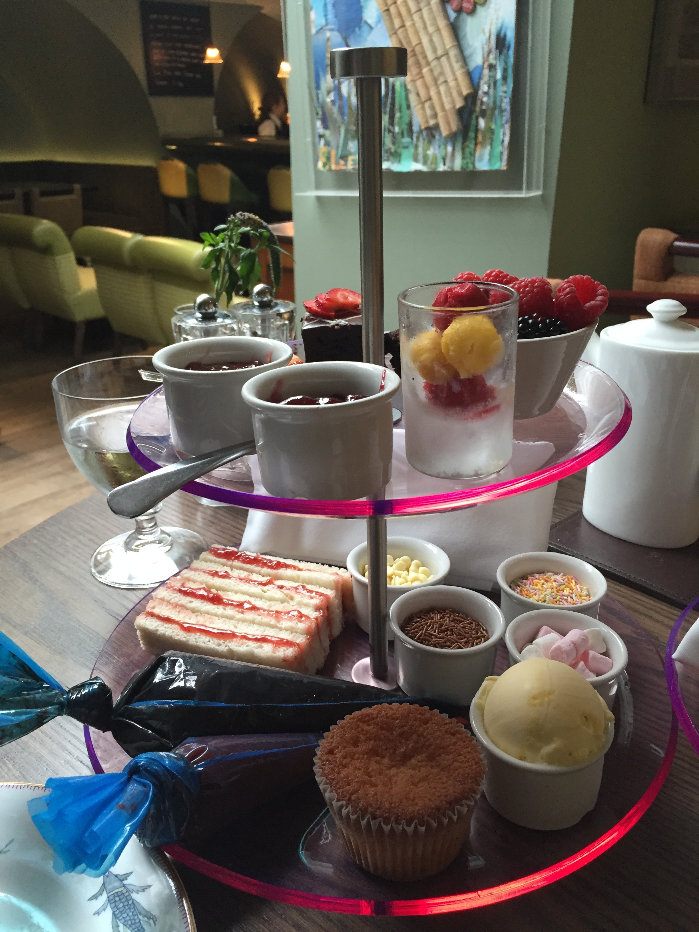 Oscar's DIY afternoon tea