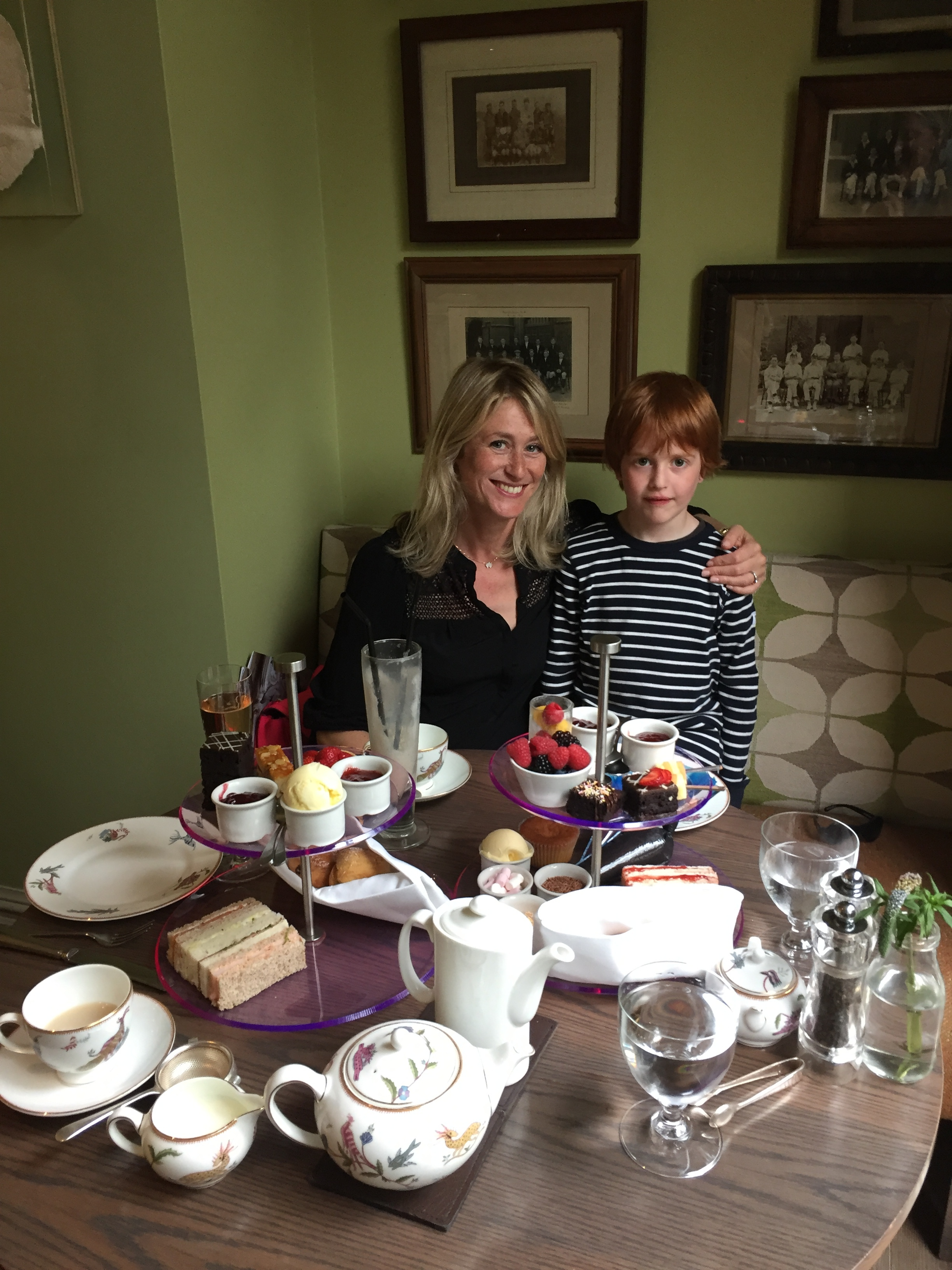 Mum and son day out in London