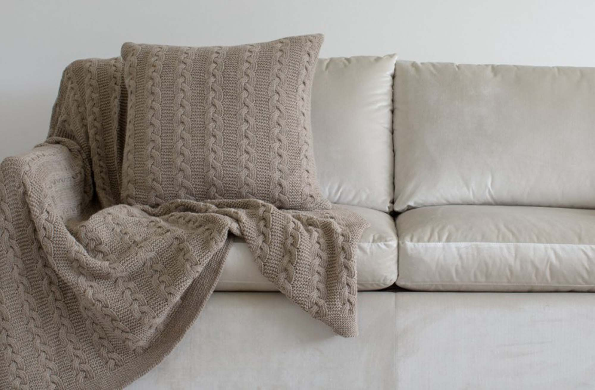 Kelly Hoppen taupe lambswool throw