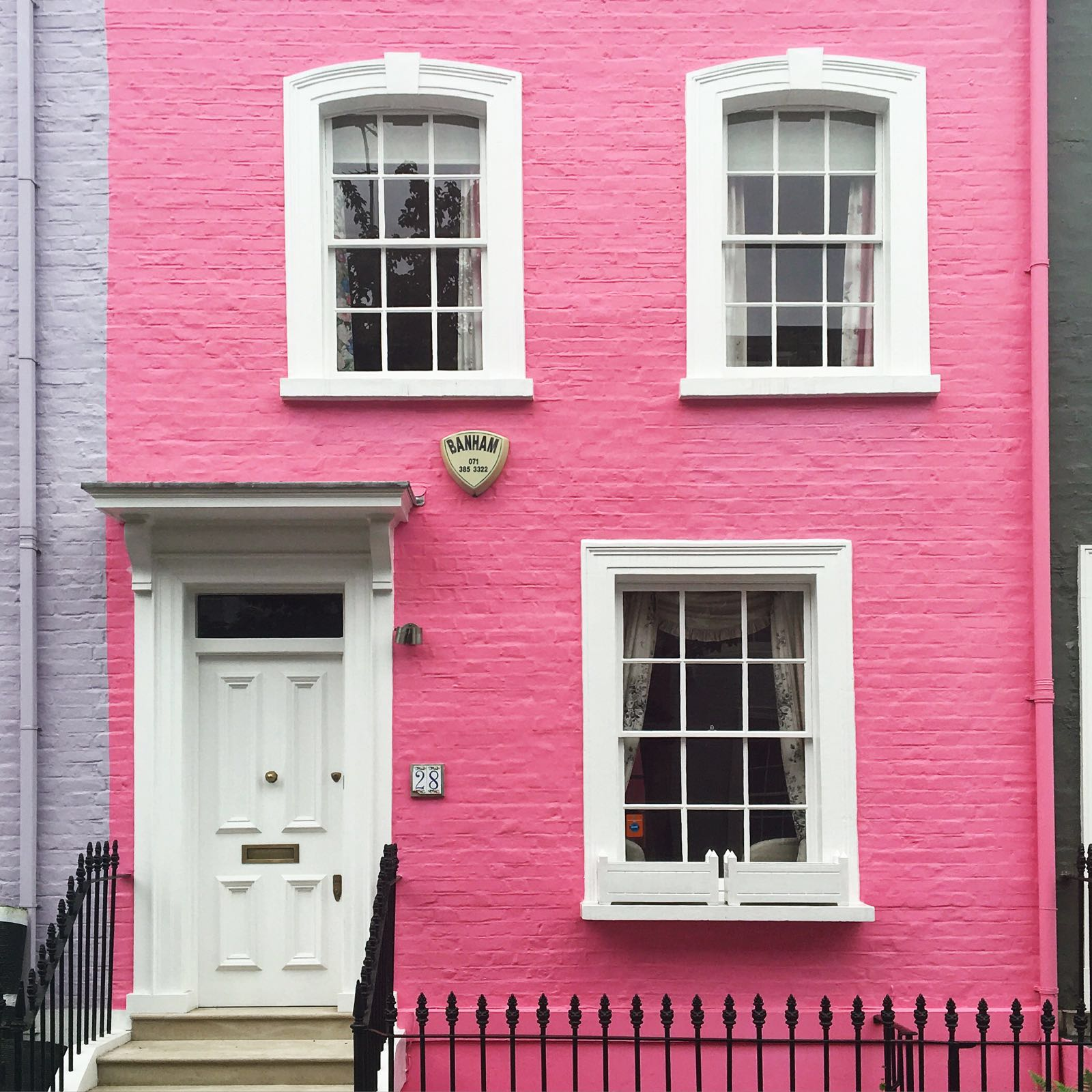 A pink house in London/Photo: Susie Lowe