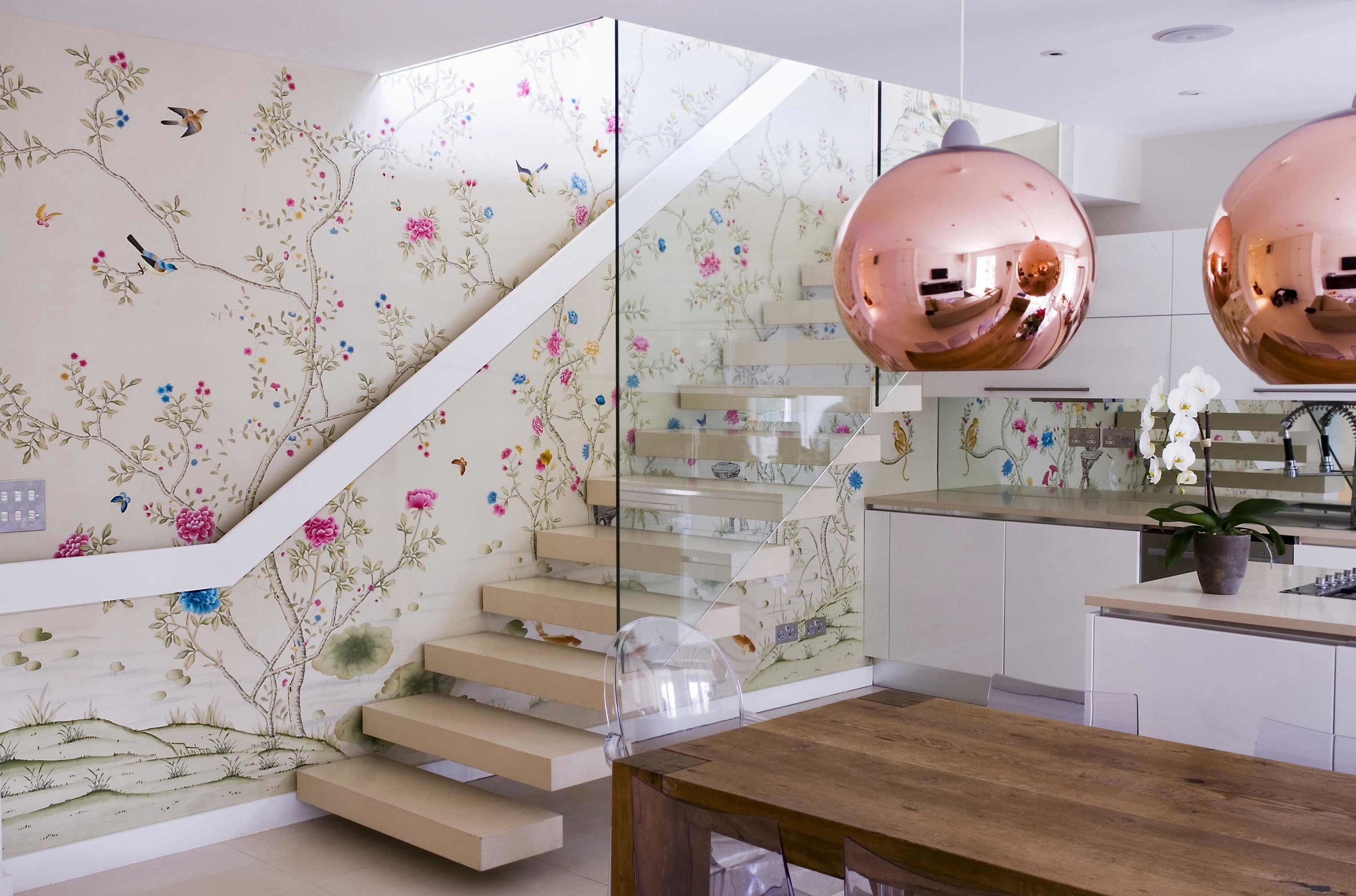 To-die-for kitchen (though that would defeat the whole purpose) with Fromental wallpaper