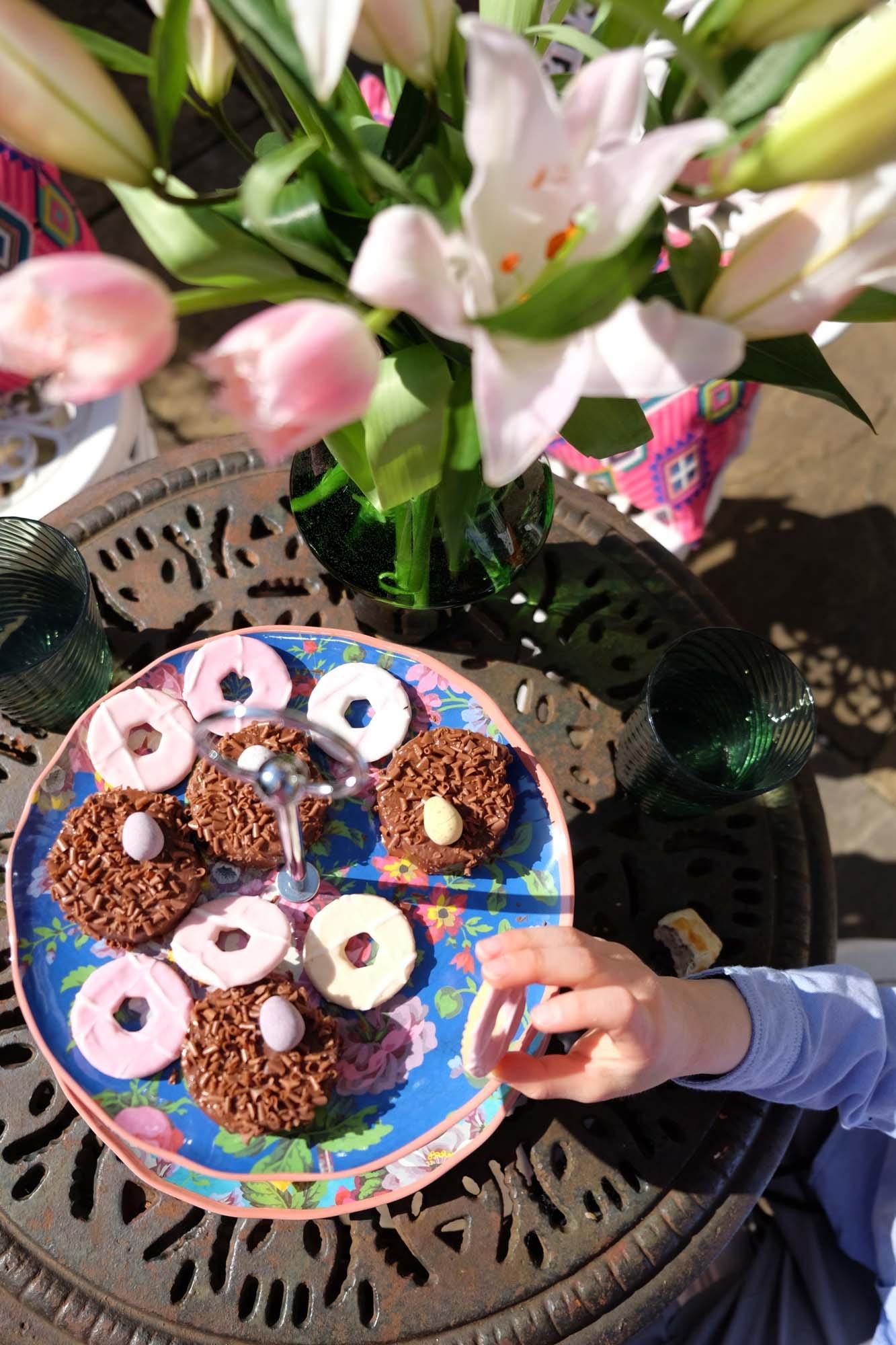 Marks & Spencer Frida melamine cake stand and picnic range