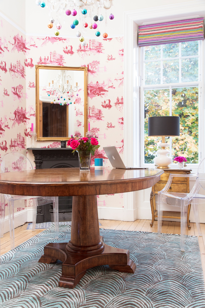 Wendy Morrison Design Peacock rug in The Pink House's dining room/Photo: Susie Lowe
