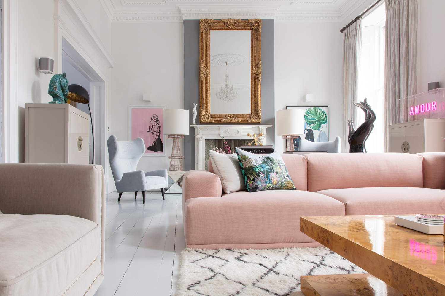 "Anna Adwal from  Pad Lifestyle 's beautiful living room adheres to Rule 6: ""Fabulous is essential""/Photo: Susie Lowe"