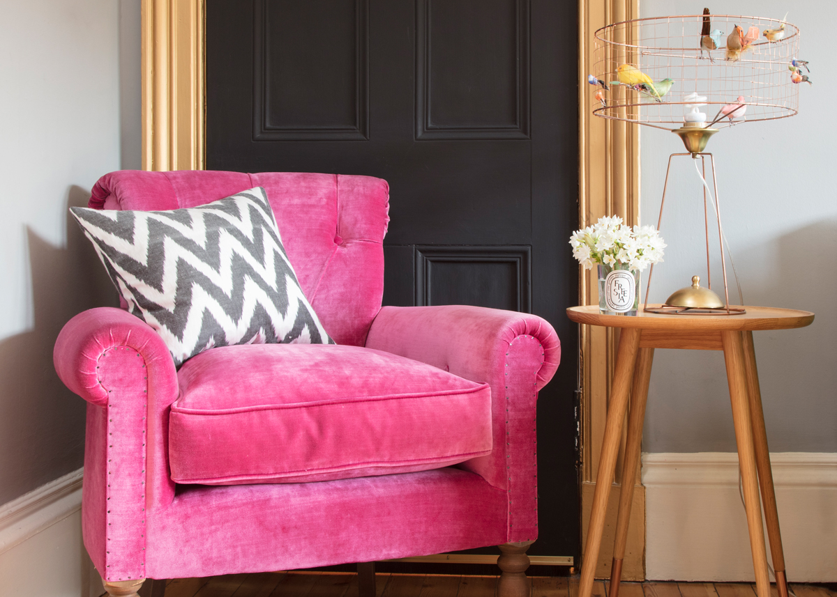Blackboard paint, gold doorframe (and of course a splash of pink) in the Edinburgh Pink House/Photo: Susie Lowe