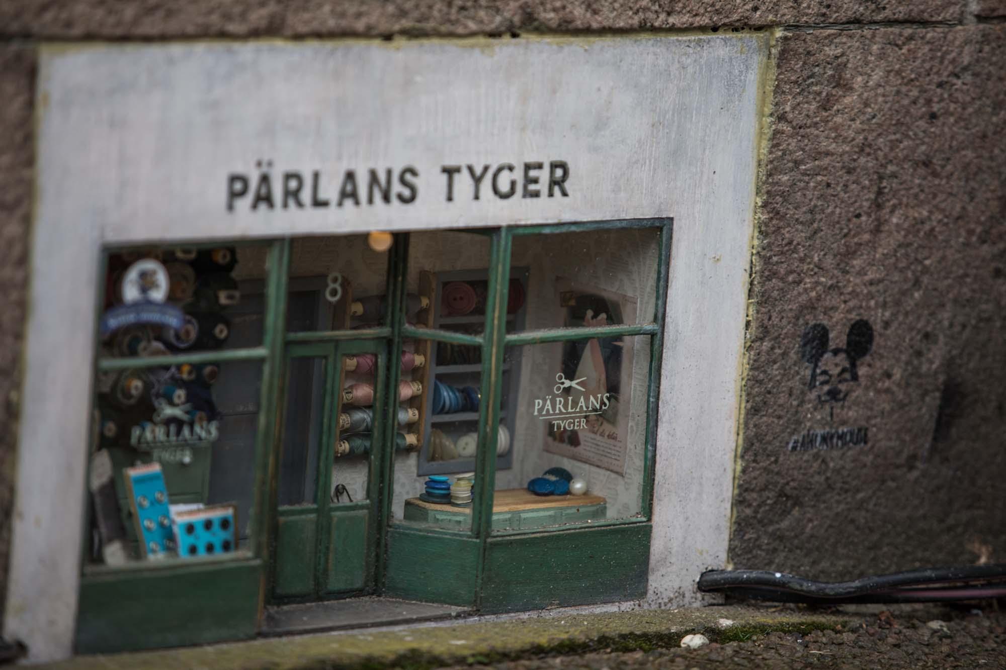 Miniature shop Parlans Tyger street art in Boras, Sweden