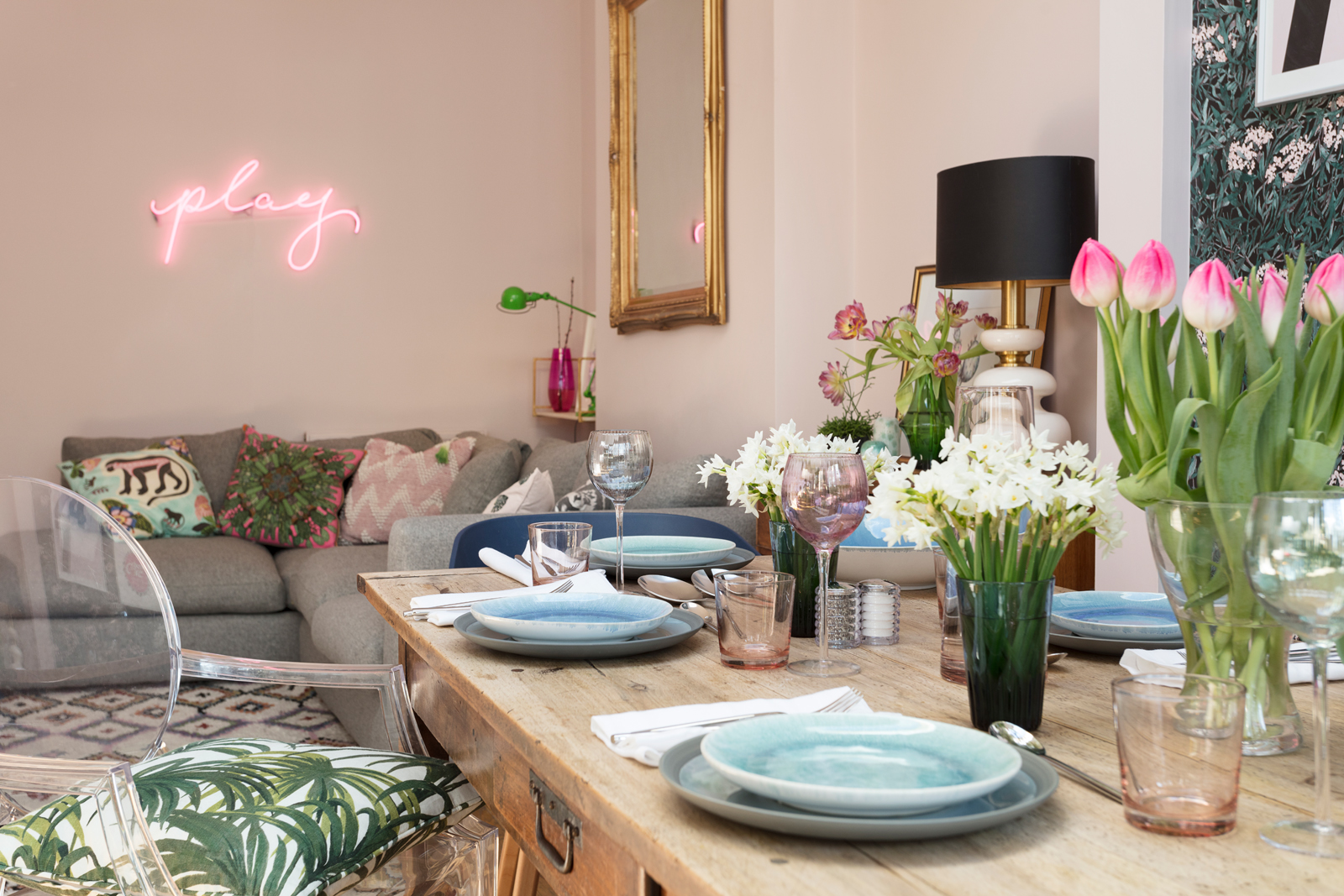 Spring has sprung in The Pink House dining room/Photo: Susie Lowe