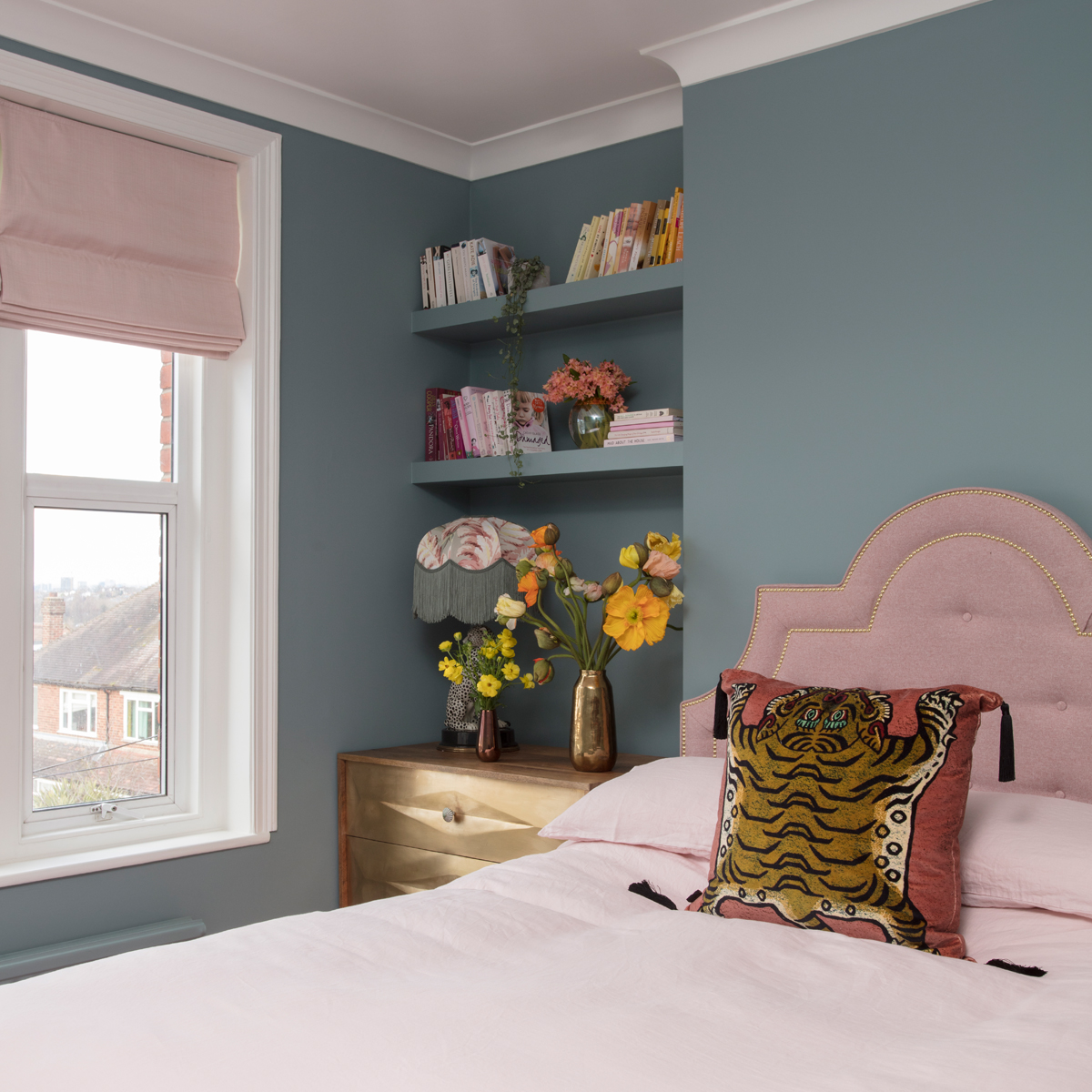 Pink Hillarys Clarence Chemise roman blinds