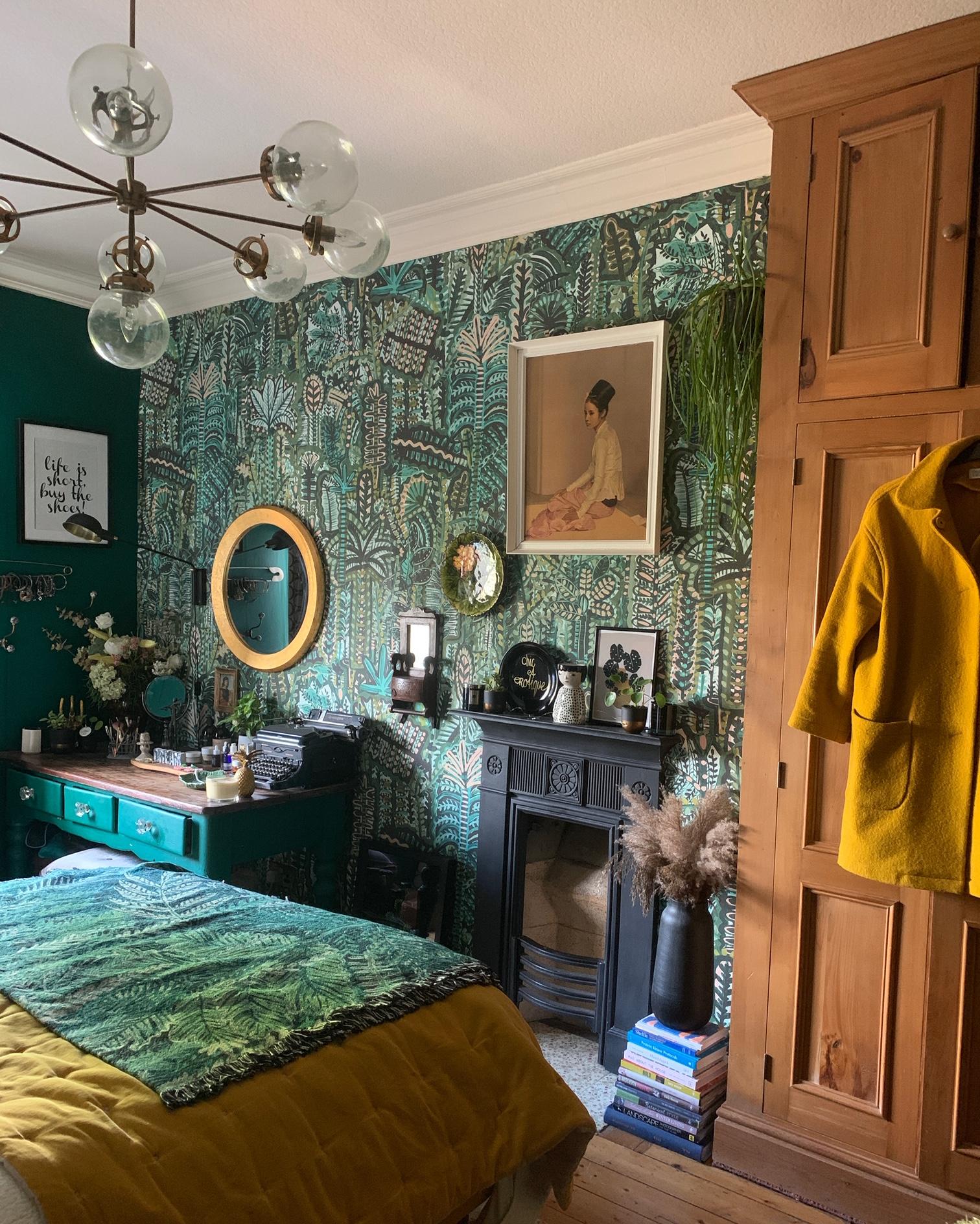 The dreamiest, greeniest bedroom