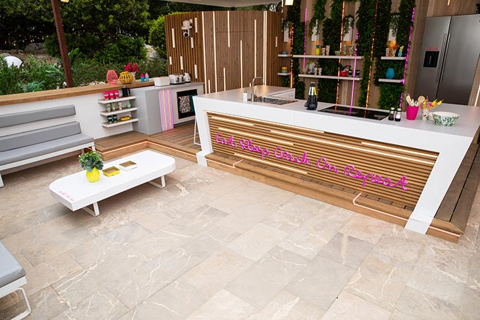 Is it too late to add 'outdoor kitchen' to the PH's renovation plans?