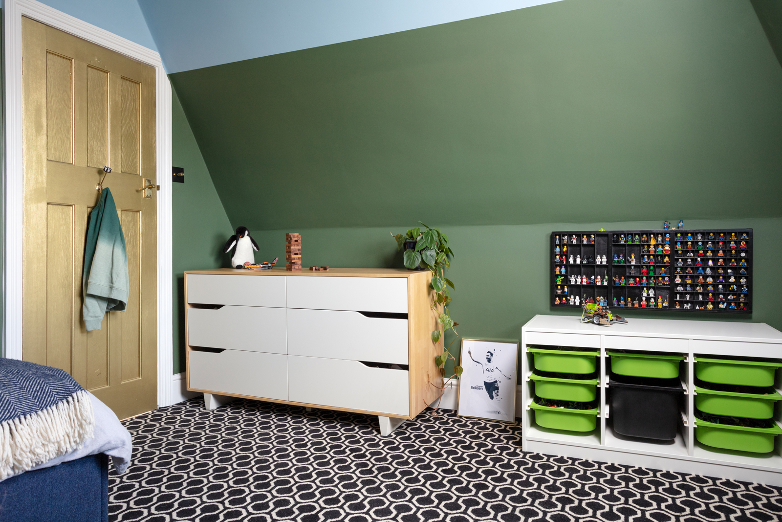 Ikea chest of drawers and Trofast Lego storage looking cool in a child's bedroom