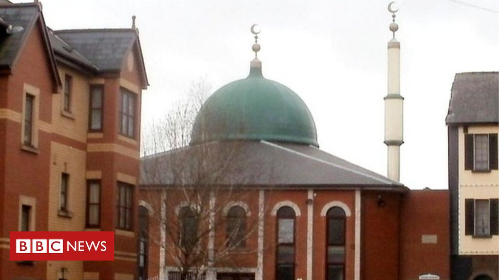 _106041545_mosque_jaggery.jpg