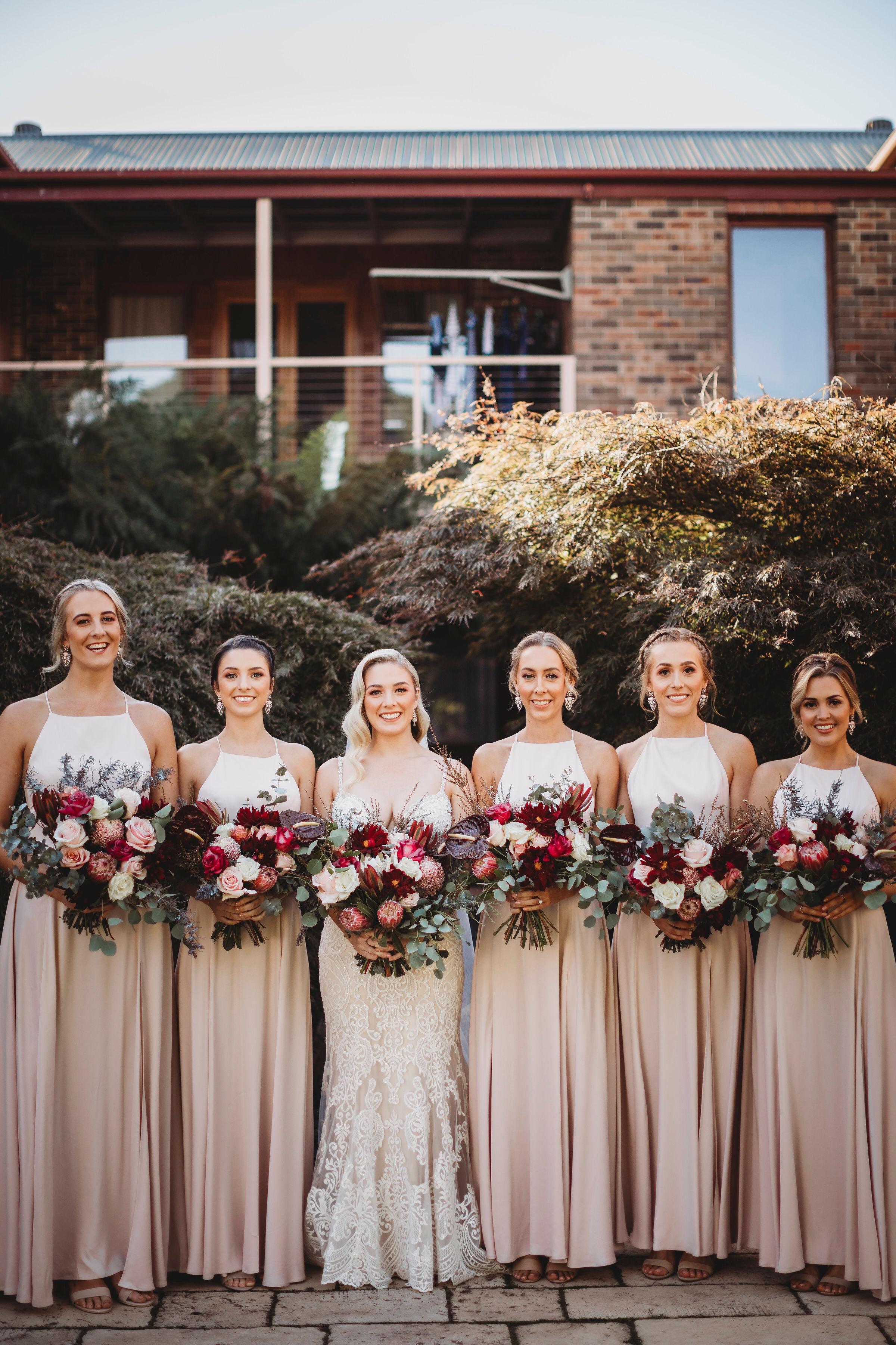 Gorgeous Sydney South Coast wedding bridal party