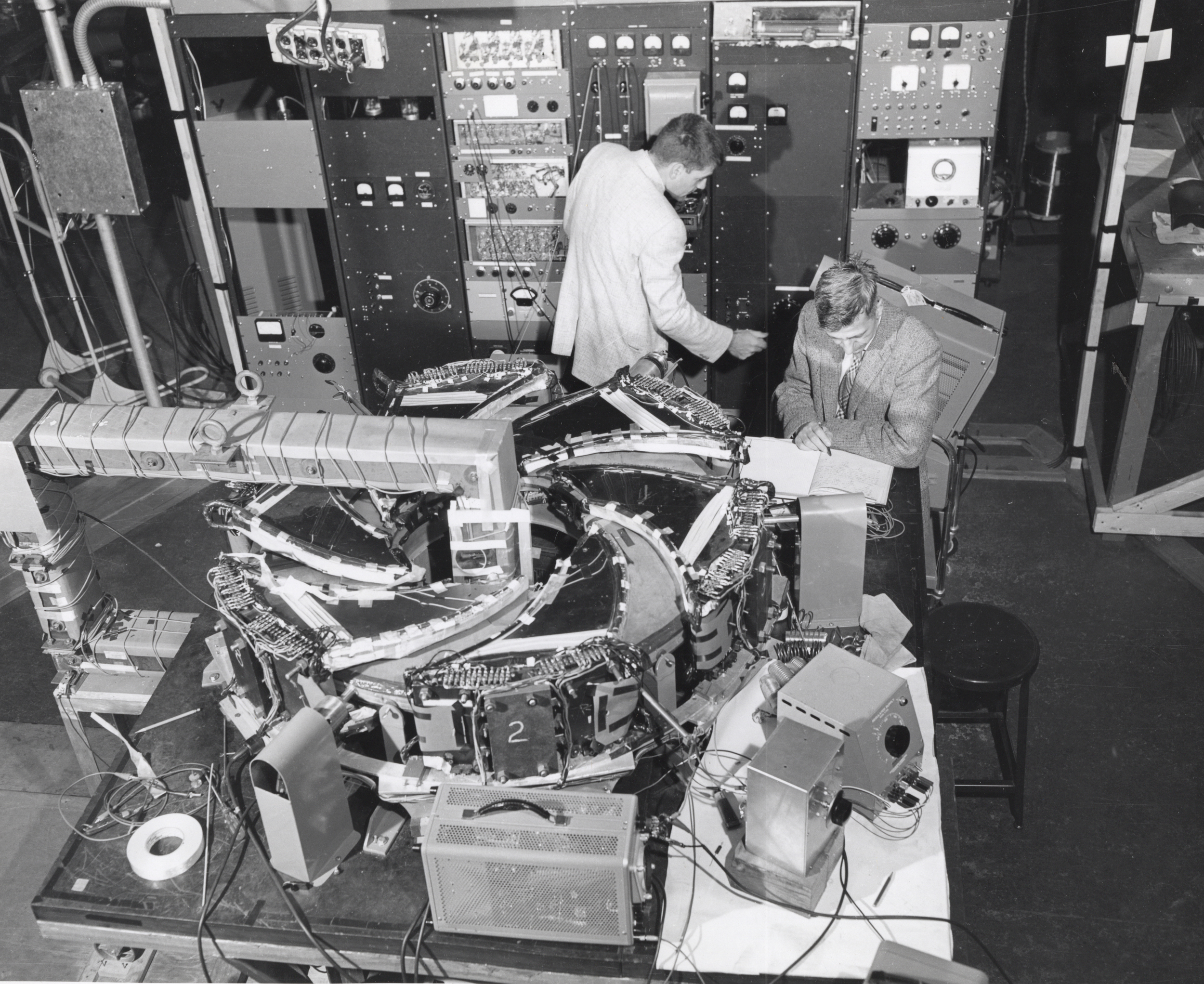 Researchers and equipment on site at Midwestern Universities Research Association (MURA). Photo: University of Wisconsin Madison Archives