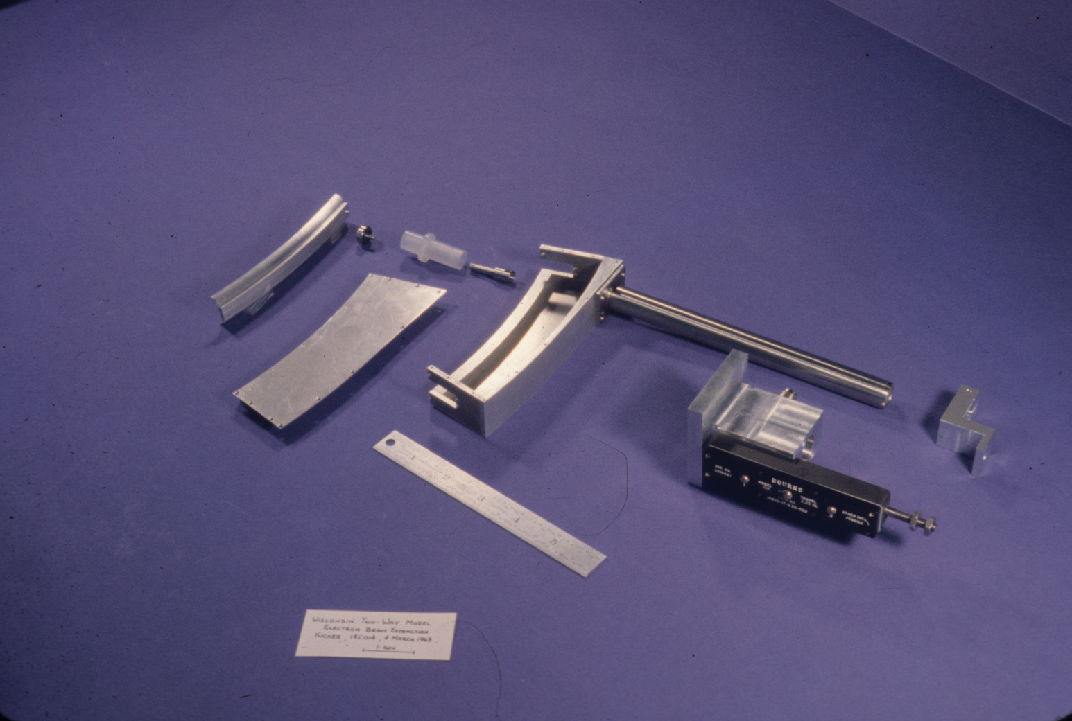 S16930.jpg