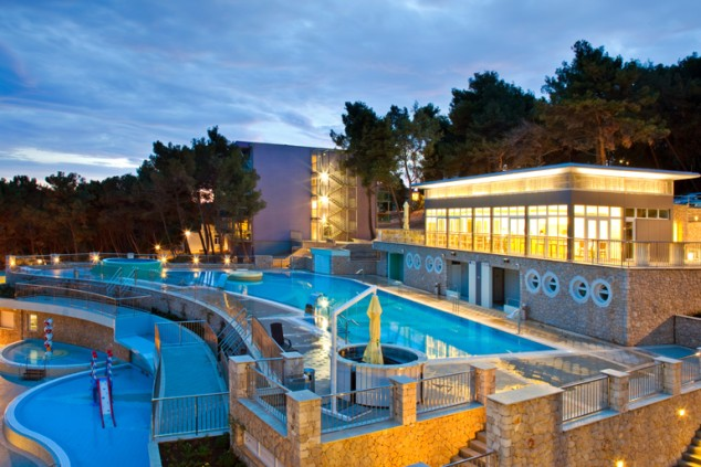 hotel_vespera_pool (1).jpg