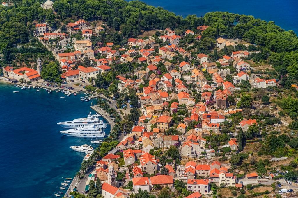 cavtat-croatia-dario-bajurin-fotolia.com-3-[1].jpg