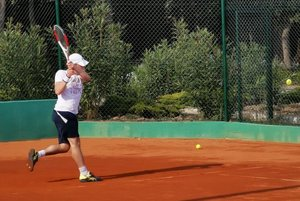 Tennis holidays for singles