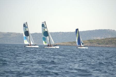 CATAMARAN - Cool and fun, a machine full of sensation and adrenaline. To consume at the age of 12 years