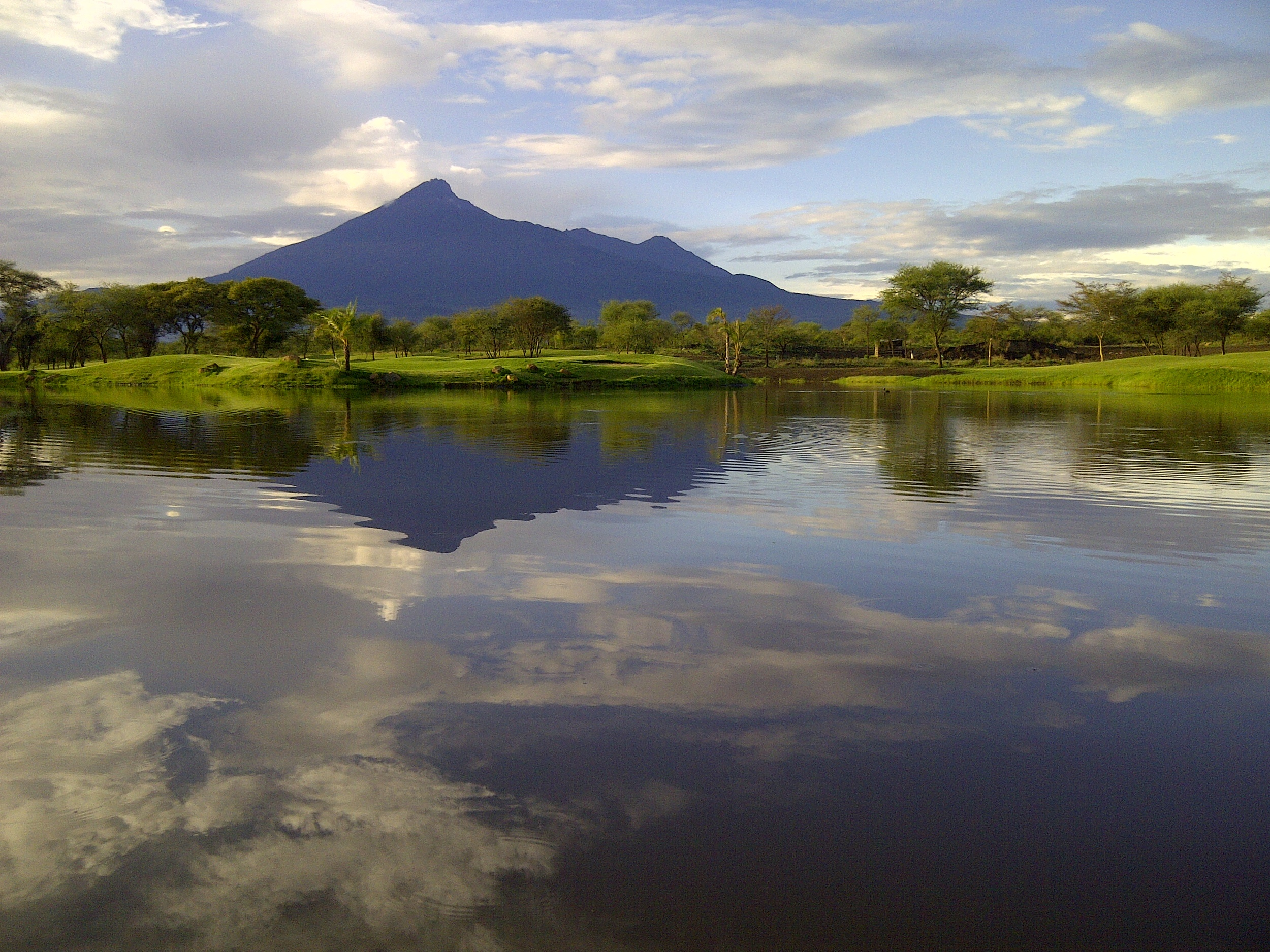 Mt Meru_water.jpg