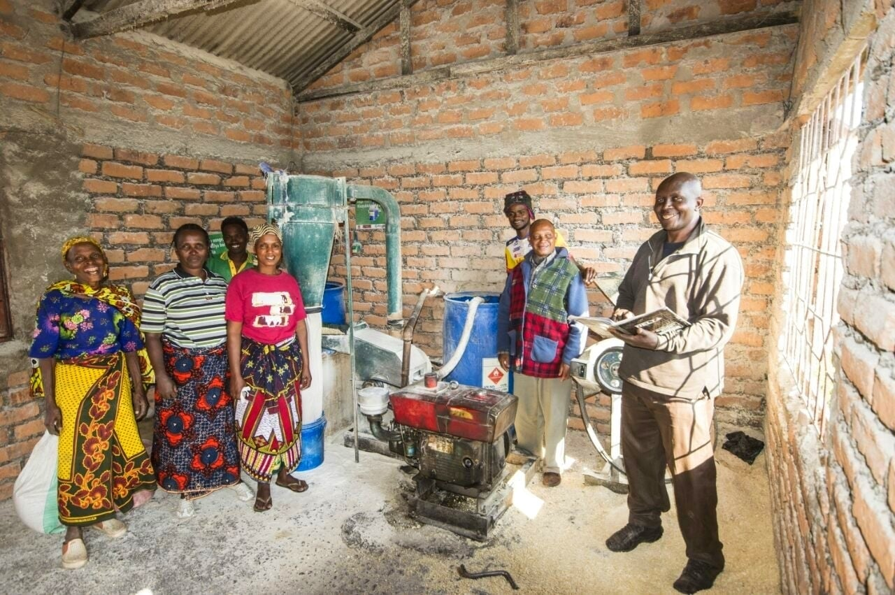 The Kiligolf and ALOA microfinance scheme has allowed the Kimbuki Women's group to buy a maize mill and start a successful business.