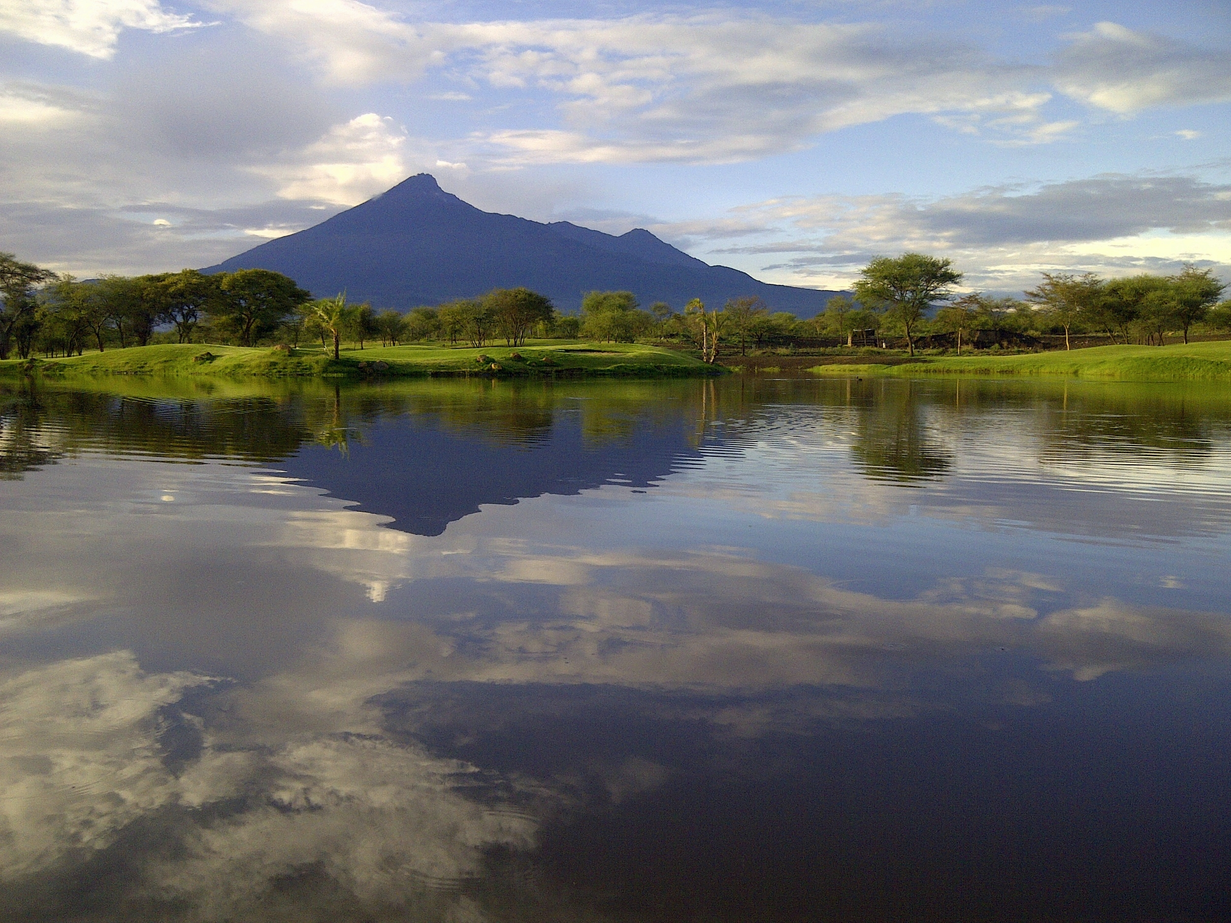 Mt Meru_water.jpg