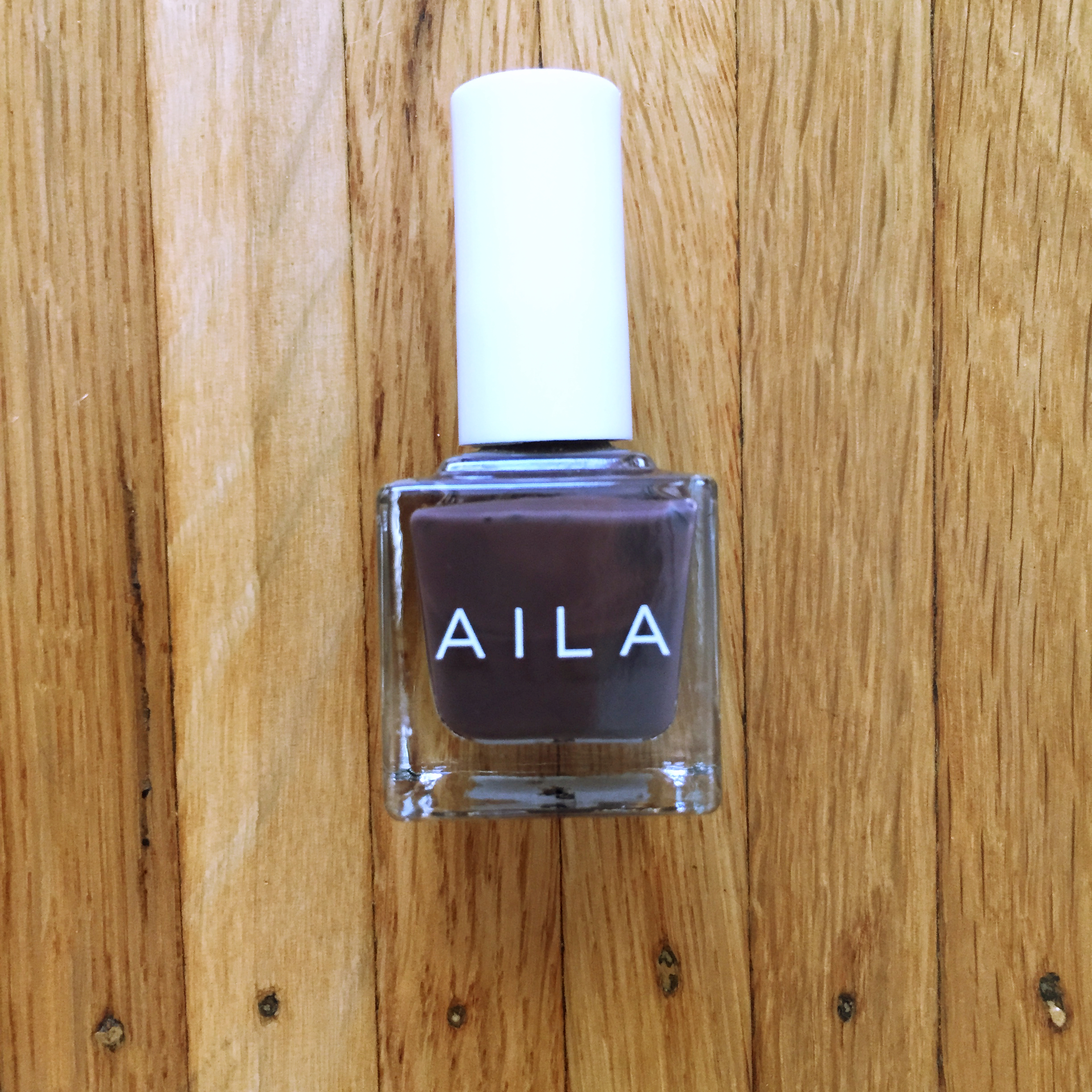 AILA Cosmetics Luxury Nail Lacquer in Mister Pookies