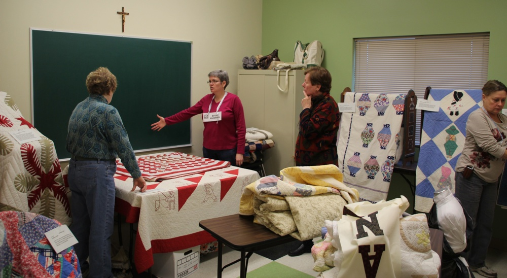 11 Bedford Friendship Quilters Guild, May, 2012 025.jpg