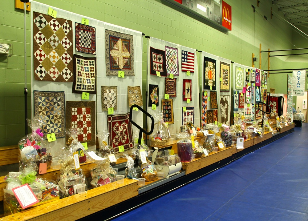 10 Bedford Friendship Quilters Guild, May, 2012 097.jpg