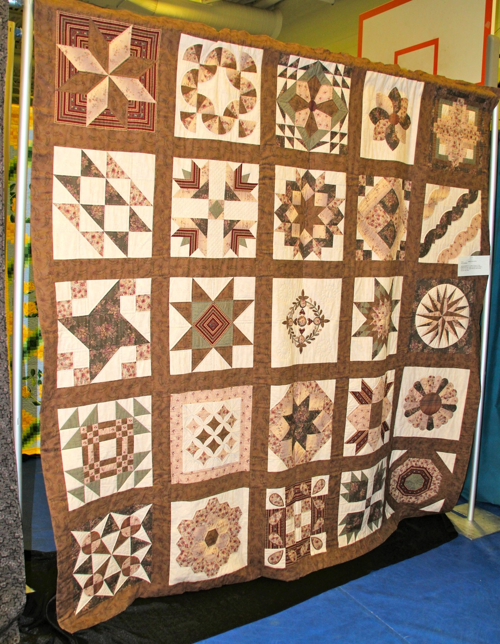 2 Bedford Friendship Quilters B-105.jpg