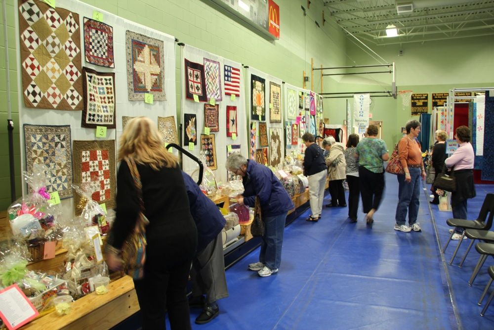 Bedford Friendship Quilters Guild, May, 2012 117.jpg