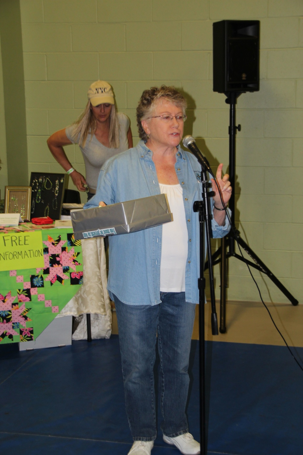 Bedford Friendship Quilters Guild, May, 2012 138.jpg