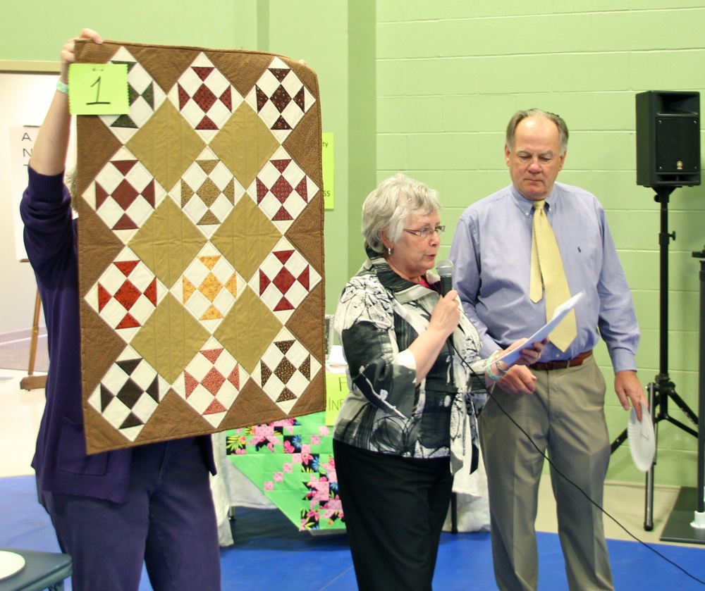 Bedford Friendship Quilters Guild, May, 2012 143.jpg