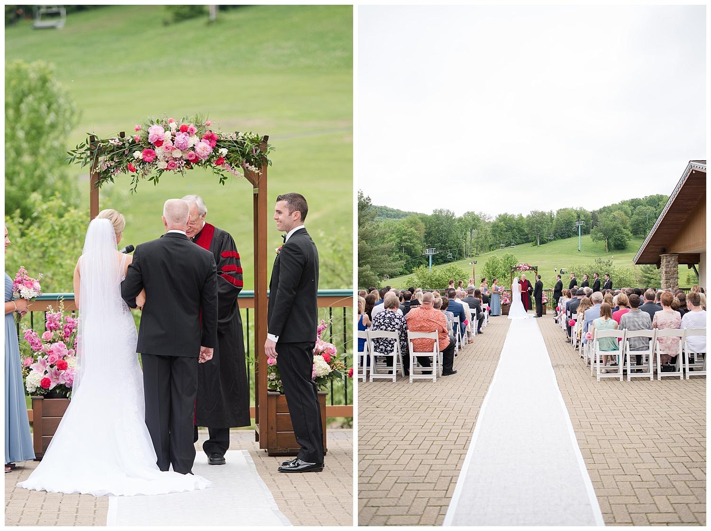 0084_holiday valley wedding_ellicottville wedding.jpg