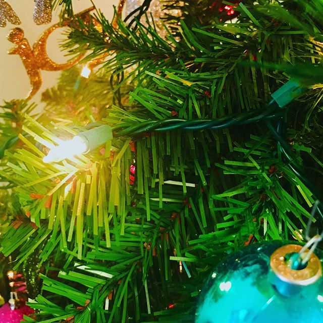 Joy.⠀ .⠀ .⠀ .⠀ #holidays #christmas #holidayseason #christmastree #ornaments #chritsmalights #joy #decoration #decorations #green #celebration #glow