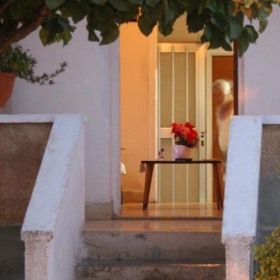 3griga_cypriot home.jpg