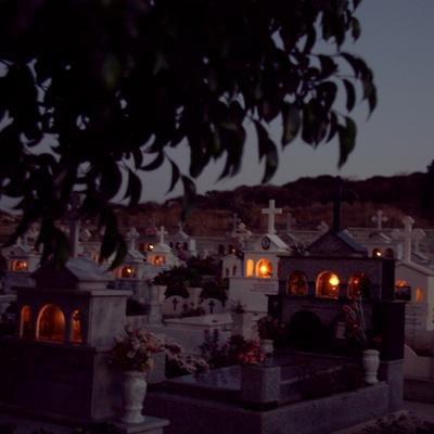 5griga_cypriot graves002.jpg