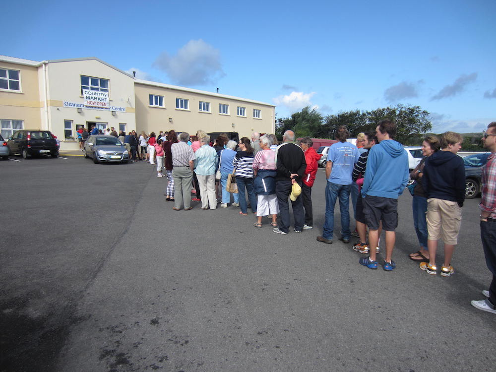 Sunday Morning Country Market queue