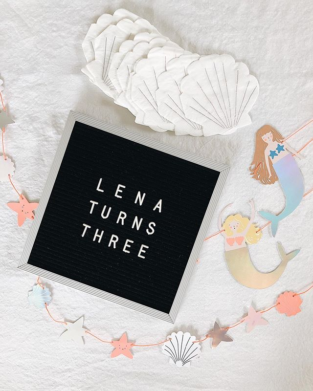 Shell-ebrated by the sea for my little Lena turning THREE! A huge thank you to our family and friends for making our sweet girl feel SO loved today!! 🐚✨
