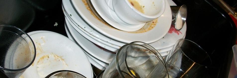 dishes-197_960_720.jpg
